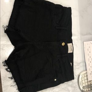 Frame le cutoff black shorts